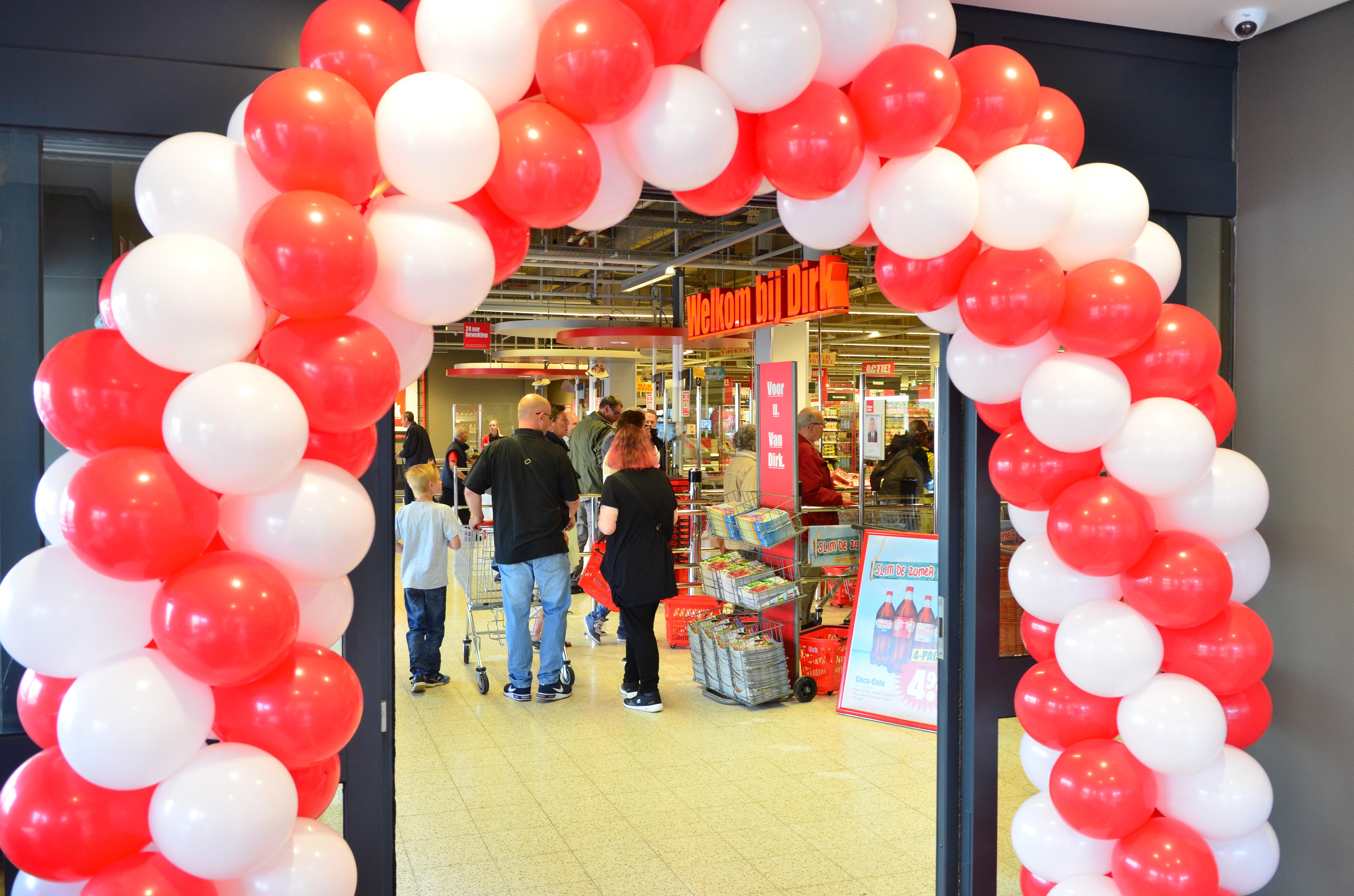 Feestelijke opening Dirk Supermarkt
